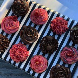 strawberry and choc cupcakes